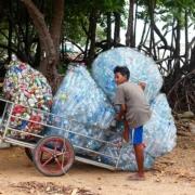 La UE afronta el problema de los plásticos y su poder contaminante